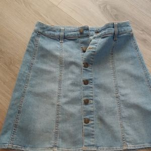 MOSSIMO JEAN SKIRT (distressed look)